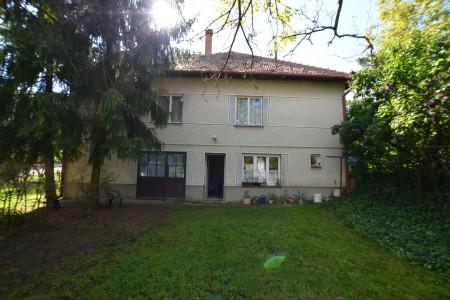 Ponúkame na predaj dvojpodlažný rodinný dom v obci Horný Pial - DSC_9976_0f3c389d6050cad78a4e80d1f0f20674