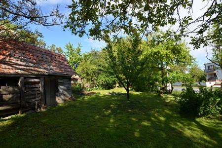 Ponúkame na predaj dvojpodlažný rodinný dom v obci Horný Pial - DSC_9977_bf6bc28fcfe14fd84e4f2a8c7a33cabe