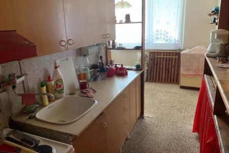 Na predaj veľký 3 izbový byt s balkónom na Dlhej ulici – Tlmače / Lipník - IMG-1342_53b85638b3eaf34b4e147ea6909c1824