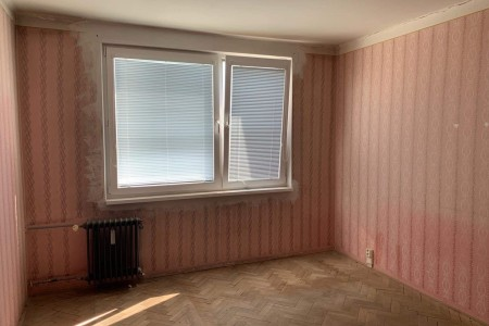 Na predaj veľký 3 izbový byt s balkónom na Dlhej ulici – Tlmače / Lipník - IMG-1344_45bd2a252d28cb6d46f3e170df530179