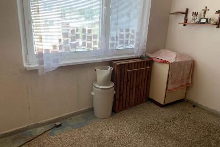 Na predaj veľký 3 izbový byt s balkónom na Dlhej ulici – Tlmače / Lipník - IMG-1350_08b562e8a408318d7c3ab671137a94a1