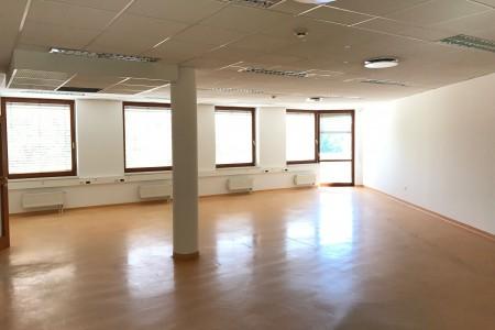 Prenájom administratívnej budovy v Bratislave - IMG_2231_f568c637e4cd7305c308b1de4e29b9a7