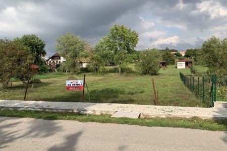 Na predaj stavebný pozemok v obci Dedinka - IMG_4901_9cecdb8e13121a1584957792ad3c705d