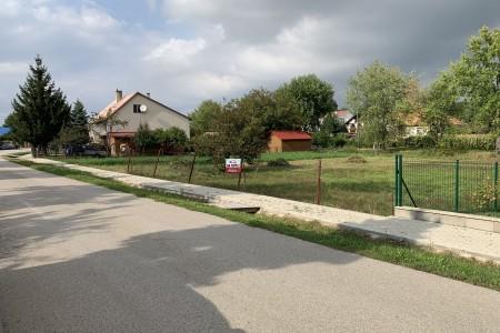 Na predaj stavebný pozemok v obci Dedinka - IMG_4903_402ee314306362c96d0f9951164d3a5a
