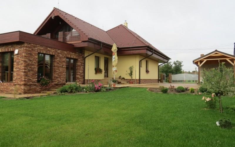 Na prenájom veľký rodinný dom, vhodný pre zamestnancov firiem - IMG_6225_2788005f31e7aa264ec4b5061d5c6c1a