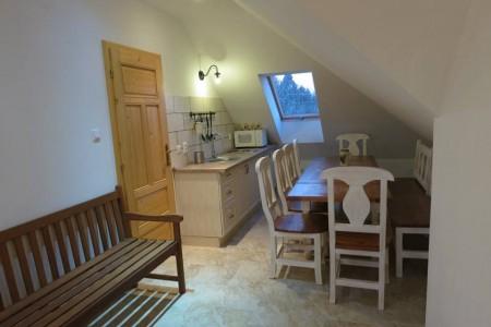 Na prenájom veľký rodinný dom, vhodný pre zamestnancov firiem - kuchynka_4ff0e768a71fc2740cc1a4d27def7ddf
